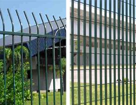 imagem com dois modelos de gradil para usar no jardim